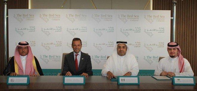 شركة البحر الأحمر للتطوير توقع شراكات جديدة لتوفير فرص عمل لسكان منطقة المشروع أملج و الوجة