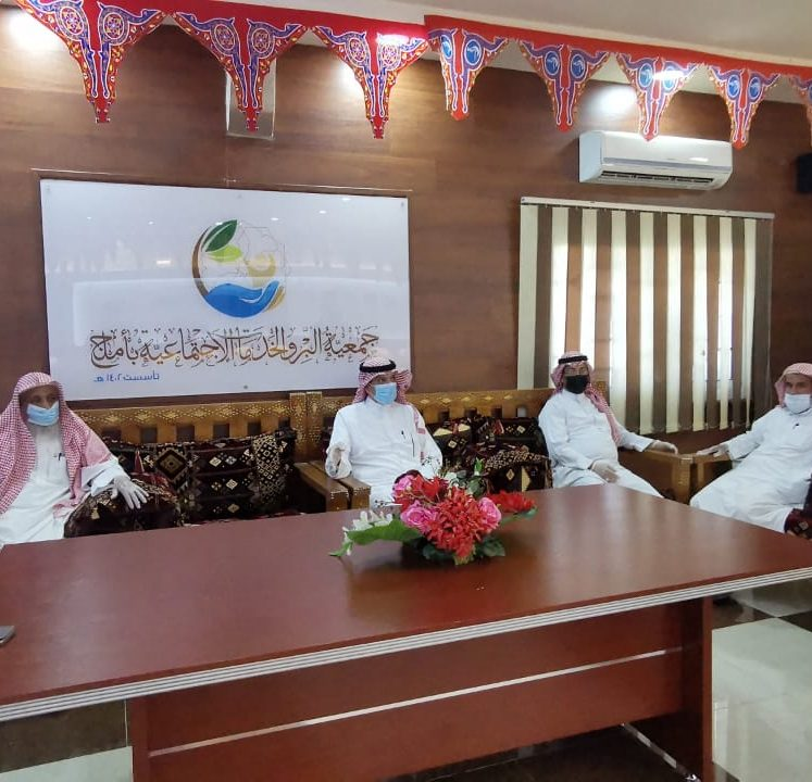 محافظ أملج يشهد مبادرة فرحة العيد في جمعية البر والخدمات الإجتماعية باملج