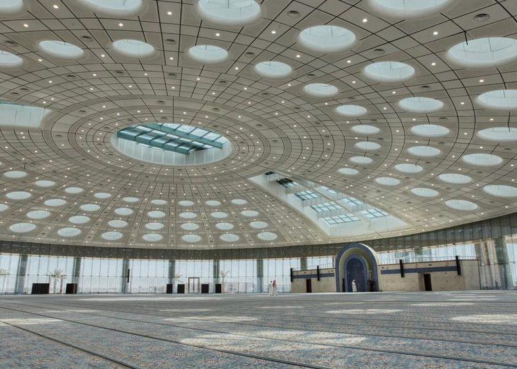مسجد جامعة تبوك أكبر قبة بلا أعمدة وتحفة معمارية