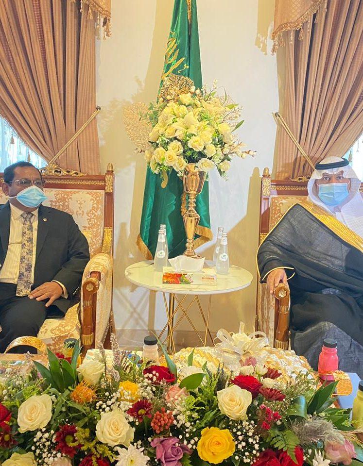 محافظ أملج يستقبل سفير المالديف
