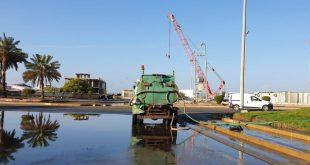 بلدية أملج تزيل آثار الأمطار التي هطلت على المحافظة