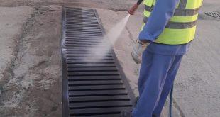 بلدية أملج تتابع أعمال رش المبيدات بالمحافظة